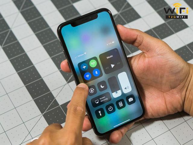 Thử khởi động và kết nối lại với tín hiệu wifi khi không vào được